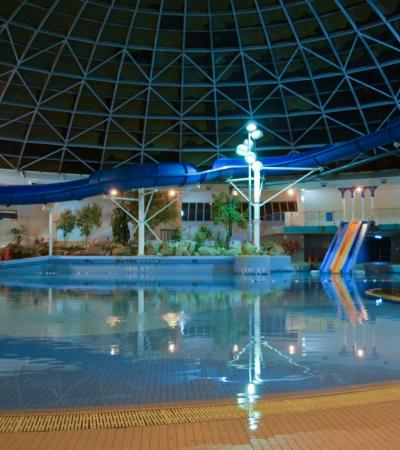 Swimming pool at Oasis Leisure Centre in Swindon