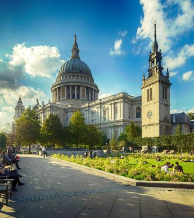 Garden next to St Paul's Cathedral in London