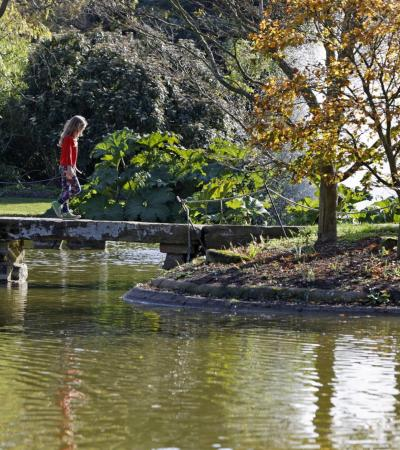 Girl at Cliveden Gardens and Maze in Maidenhead