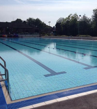 Swimming pool at Woodgreen Leisure Pool in Banbury