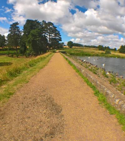 Walking trail at Sywell Country Park in Ecton