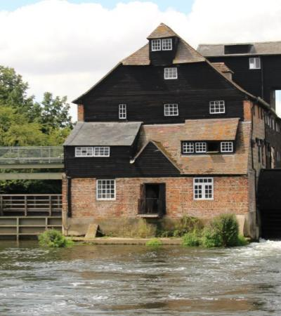 Outside view of Houghton Mill in Huntingdon