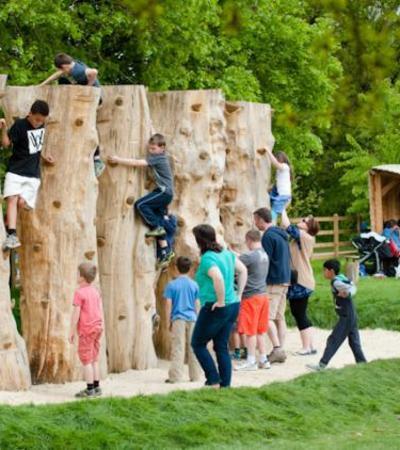 Kids climbing at Southampton Common