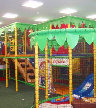 Indoor soft play frame at Jungletastic in Nottingham