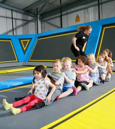 Kids playing at Oxygen Freejumping Derby