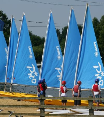 Kids with sail boats at Horseshoe Lake Activity Centre in Sandhurst