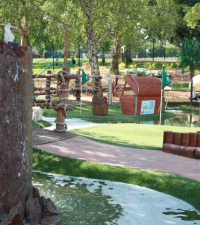 Mini golf course at Rascal Bay in Brentwood