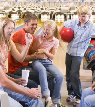Family laughing at Nuneaton Bowl