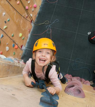 Girl climbing at Redpoint Birmingham