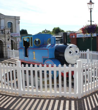 A photo of Thomas The Tank Engine at Drayton manor Theme Park in Tamworth