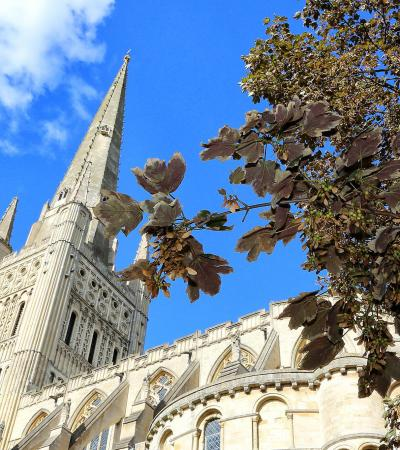 Outside view of Norwich Cathedral