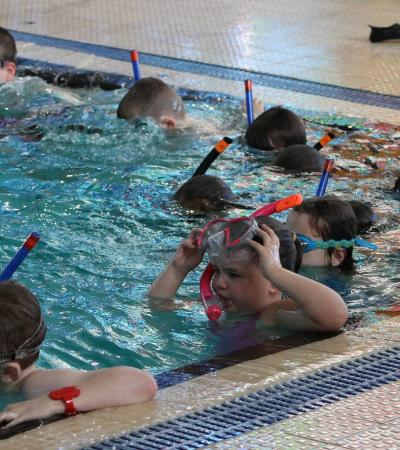 Kids in swimming lesson at Bedworth Leisure Centre