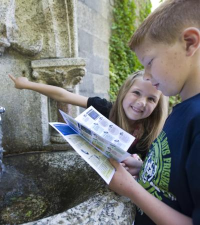 Kids looking for clues on The Rutland Water Treasure Trail in Hambleton