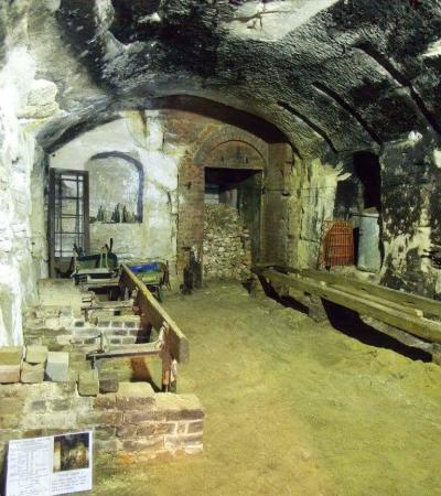 Room in Reigate Caves