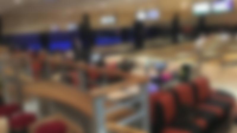 People bowling at Lincoln Bowl