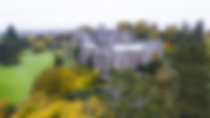 Outside view of Berkeley Castle