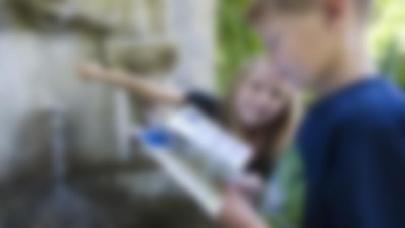 Kids looking for clues on Stoke Bruerne Treasure Trail